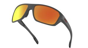 Oakley sunglasses with polarized red iridium lenses for Sale in Maumelle, AR