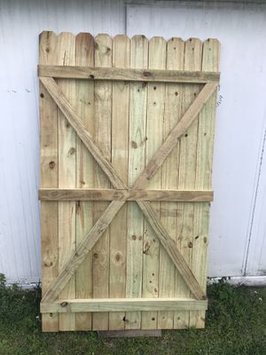 """NEW, WOOD FENCE ( GATE 46""""W. X 6'H. ) ((( NO hardware ))). PRICE IS FIRM, NO OFFERS, NO DELIVERY . for Sale in Orlando, FL"""