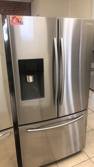 Refrigerator French door fridge Samsung brand for Sale in Los Angeles, CA