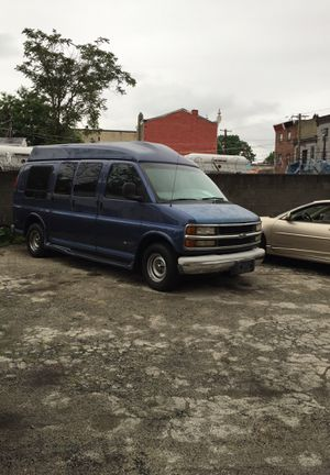1997 CHEVY EXPRESS 1500 for Sale in Lansdowne, PA