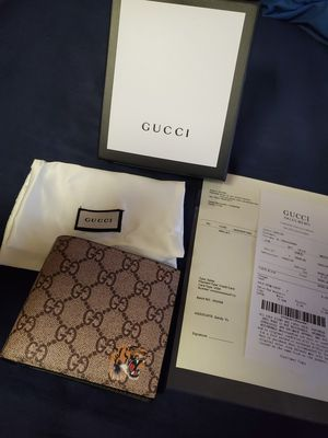Gucci wallet Authentic for Sale in Romeoville, IL