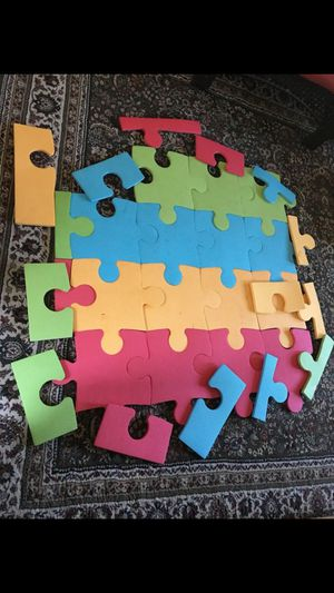25 pieces of Foam of carpet Kids puzzle or Floor puzzle for Sale in Richmond, VA