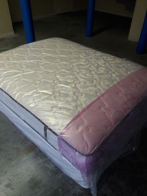 NEW QUEEN DOUBLE SIDED MATTRESS AND BOX SPRING 18 INCHES FREE DELIVERY for Sale in Lake Park, FL