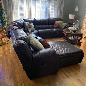 Leather brown sectional for Sale in College Park, GA