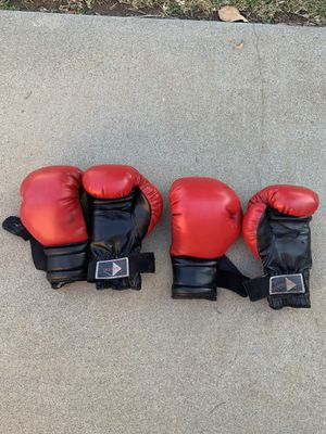 Boxing gloves for Sale in West Covina, CA