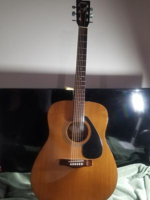 Yamaha F-310 Acoustic Guitar 1975 for Sale in Cordova, TN
