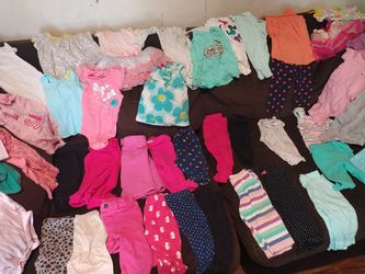 Cute 6-12 month baby girl clothes!! for Sale in Mill Creek, WA