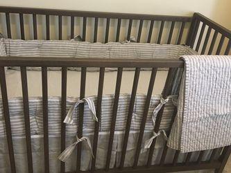 Pottery barn crib bumper, quilt, bed skirt Set for Sale in Savannah,  GA