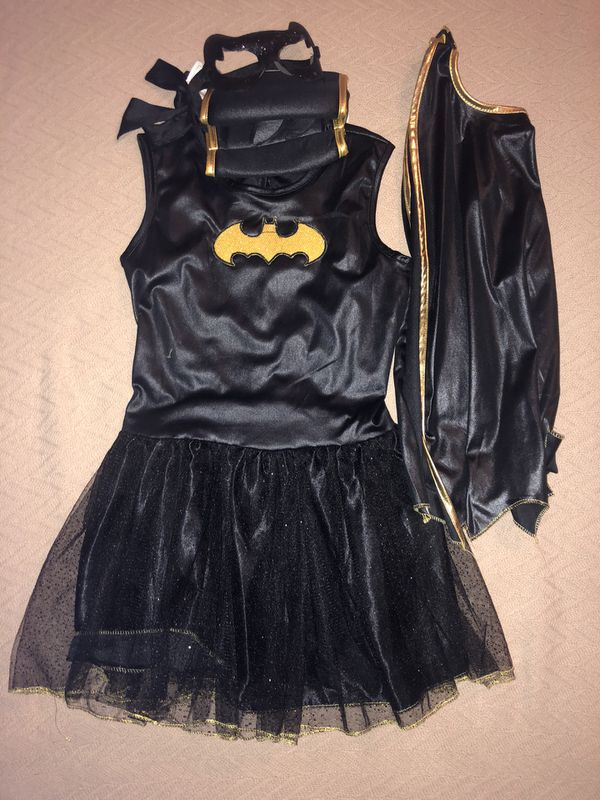 Halloween girls batgirl costume ( size M , runs small)