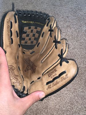 """Baseball glove right hand R100R 10"""" for Sale in Kissimmee, FL"""