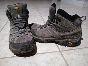 Merrell sz 9 women's hiking boots for Sale in Phoenix, AZ