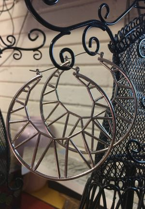 Beautiful hoops $4 for Sale in Anaheim, CA