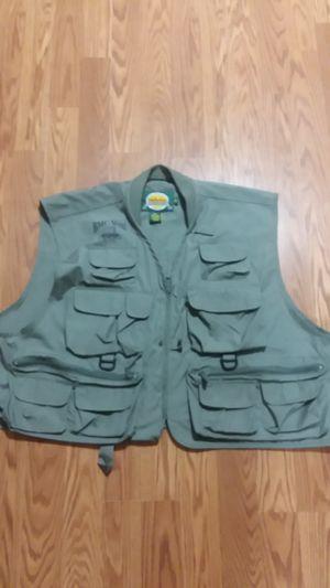 Cabela's fishing vest for Sale in Mesa, AZ