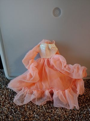 Barbie clothes and Barbies for Sale in Maplewood, MN