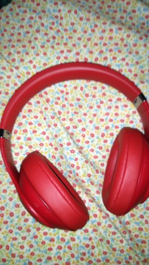 Beats wireless studio 3 for Sale in Charlotte, NC