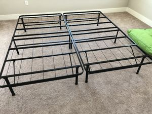 King size bed frame for Sale in Newark, CA