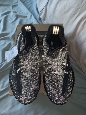 YEEZY BOOST 350 V2 9.5 NEW WITH BOX for Sale in Salisbury, MD