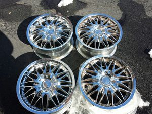 """16"""" CHROME VERDE RIMS..GREAT CONDITION for Sale in New Rochelle, NY"""