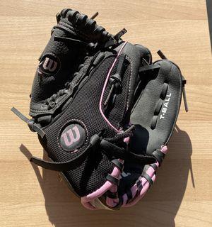 Wilson Girls Baseball Glove for Sale in Duvall, WA