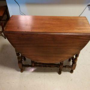 Oval walnut gateleg drop leaf antique table for Sale in Philadelphia, PA