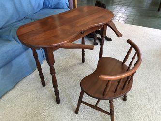 Antique girls desk for Sale in Stevensville,  MD