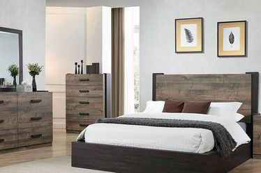 NEW MODERN WEATHERED OAK AND RUSTIC COFFEE QUEEN OR KING PLATFORM BED for Sale in Wayne,  PA