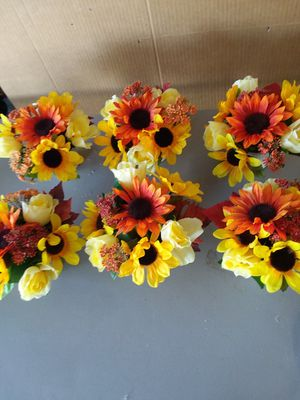 6 New Thanksgiving/Fall Centerpieces for Sale in Fontana, CA