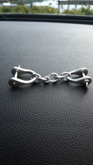 Tiffany & co Sterling silver shackles for Sale in San Leandro, CA