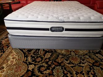 Queen Simmons Beautyrest Bed Mattress- Box Spring & Bed Frame Optional for Sale in Lynnwood,  WA