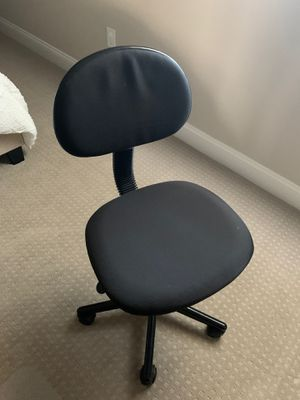 Office chair with wheels for Sale in Bakersfield, CA
