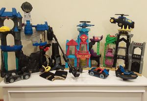 Marvel dc toy lot 3 houses, accessories & figurines for Sale in Newport, WA