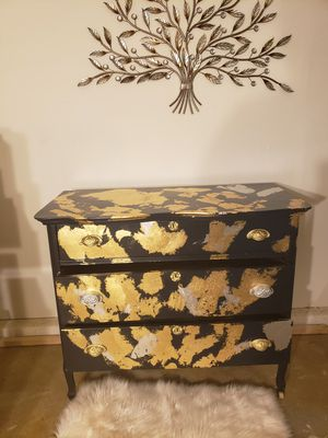 Amazing revived gold leaf dresser for Sale in North Las Vegas, NV