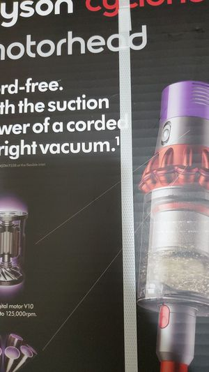 DYSON CYCLONE VACUUM for Sale in Santa Ana, CA