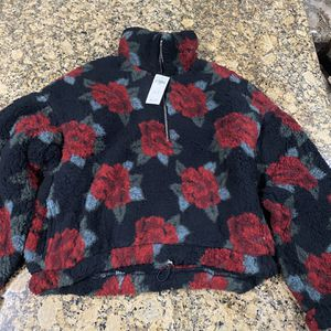 Hollister Sweater for Sale in Long Beach, CA