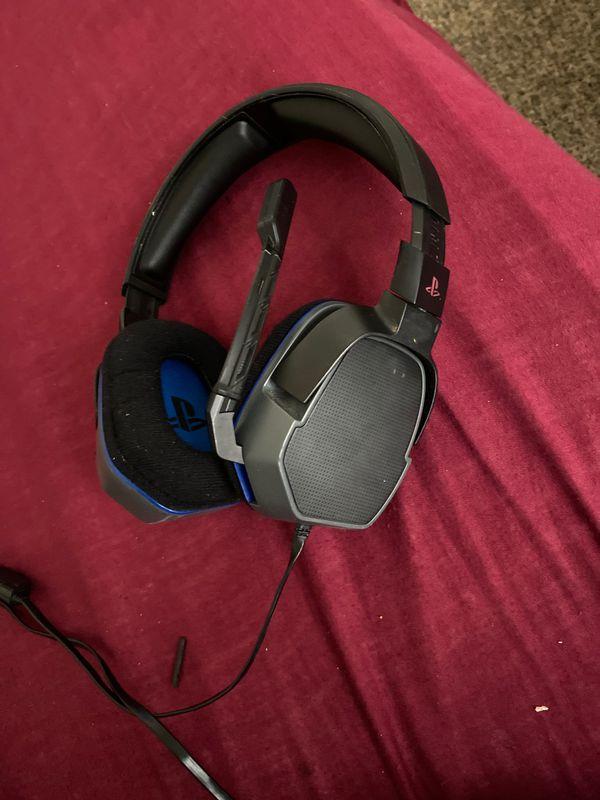 PlayStation gaming headphones