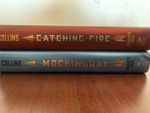 The Hunger Games Books 2 & 3 (LIKE NEW CONDITION) for Sale in Spring Valley, CA