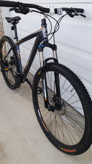 Marin 29er mountain bike , front suspension disc brakes rides great like new for Sale in Rancho Cucamonga, CA
