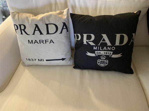 2 Designer style pillows!