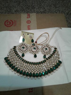 Necklace for Sale in Bellerose, NY