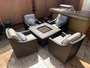 Outdoor Patio Furniture With Fire Pit for Sale in Redondo Beach, CA