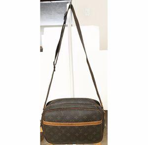 UNISEX Authentic Louis Vuitton Monogram Reporter PM Crossbody Shoulder Messenger Bag for Sale in West Covina, CA