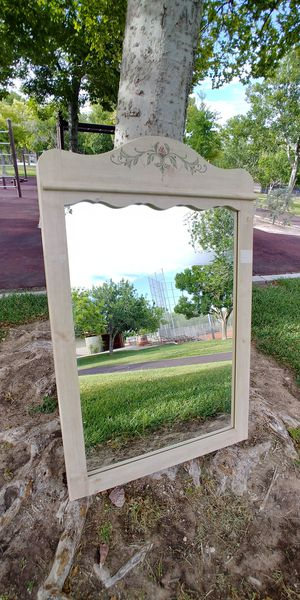 """29"""" x 45"""" Ivory Wall Mirror for Sale in North Las Vegas, NV"""
