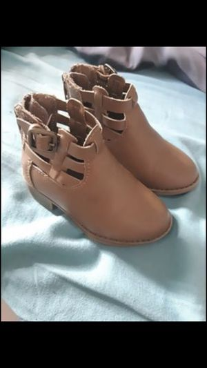 Size 5 toddler girl boots for Sale in Newark, NJ