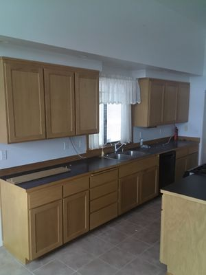 Kitchen cabinets for Sale in SeaTac, WA
