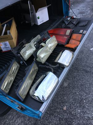 GMC Chevy Parts and accessories 88-97 for Sale in Miramar, FL