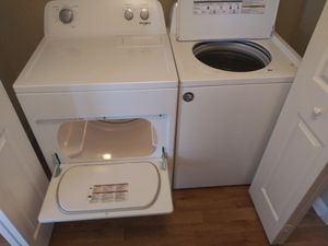 Whirlpool Washer& Dryer for Sale in Dublin, GA