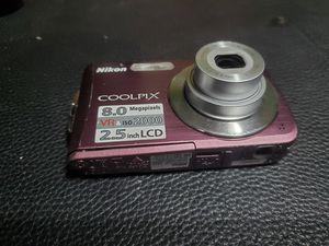 Nikon camara dijital completa for Sale in Kennewick, WA