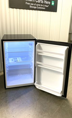 (Please see all pictures and description) Hisense 4.4 cu ft Glass Door Compact Refrigerator - RS44G1 for Sale in Flower Mound, TX