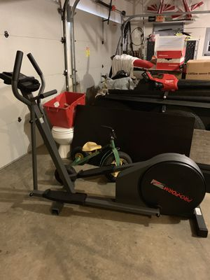 Pro-Form Low Impact Elliptical exerciser 485E for Sale in Tualatin, OR