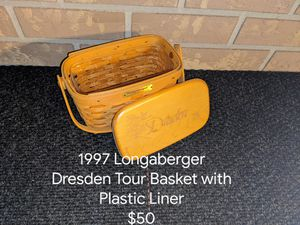 1997 Longaberger Collectable Basket with Lid and Plastic Liner. for Sale in Orange City, FL